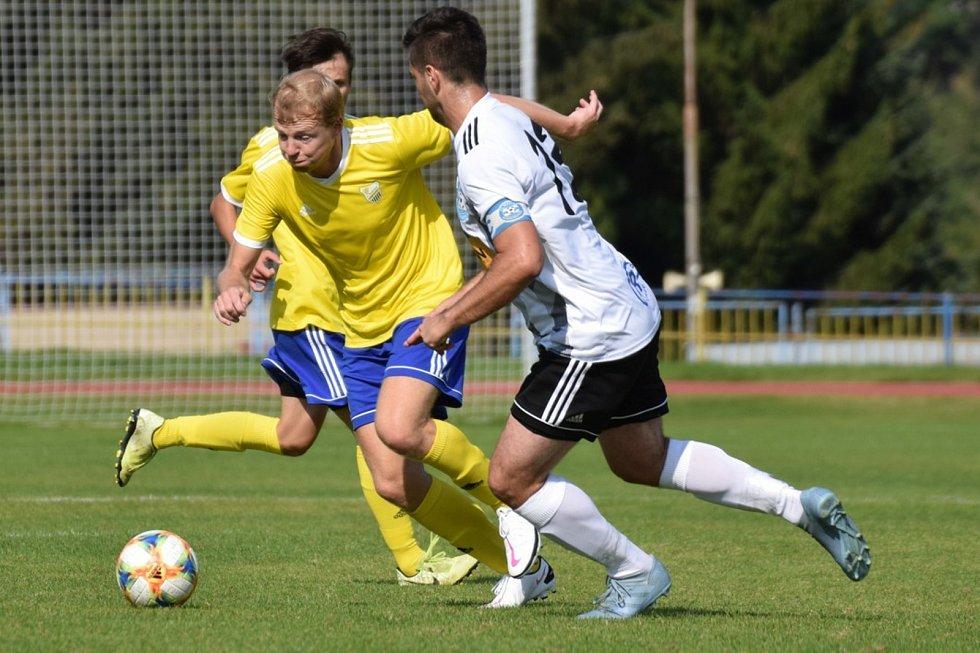 Fotbalová A třída: Vimperk - Sousedovice 4:2.