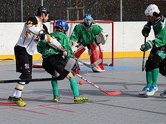 Hokejbalisté Highlanders Prachatice porazili po dramatickém boji Pedagog České Budějovice 3:1.