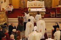 Českobudějovický biskup Jiří Paďour světil v neděli 25. října kostel v Bohumilicích.