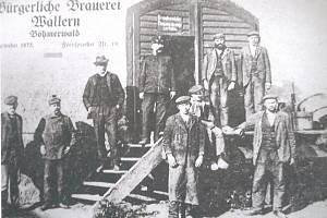 Zaměstnanci, kteří ve volarském pivovaru vařili světlou i tmavou sedmičku a desítku.