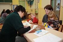 O tom, kolik dětí budou moci přijmout do mateřských škol, do určité míry rozhodnou i výsledky žádostí o odklad budoucích prvňáčků.