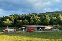V sousedství nového areálu, který staví firma VaVi, město stejným majitelům další pozemky. Nabídli lepší cenu než další zájemce.