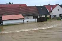Ve Strunkovicích nad Blanicí je zatopeno dvacet pět domů.
