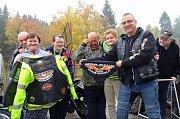 Motorkáři zajeli navštívit klienty v domově se zdravotním postižením na Javorníce.