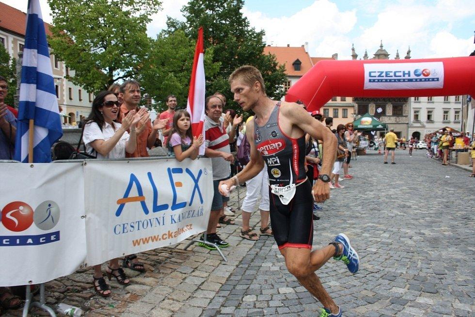 Po vyčerpávajícím hlavním závodu dobíhá na čtvrtém místě do cíle Jiří Klíma.