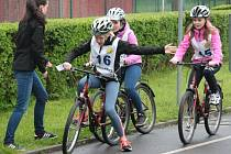 V Prachaticích se ve čtvrtek 5. května uskutečnilo okresní kolo soutěže mladých cyklistů. Ti museli zvládnout nejen jízdu na dopravním hřišti, ale také jízdu zručnosti, testy a zdravovědu.