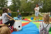 Vítání léta v Domu dětí a mládeže v Prachaticích.