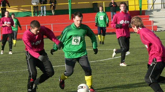 "Prachatický Tatran přehrál Dynamo ČB ""19"" 3:0."