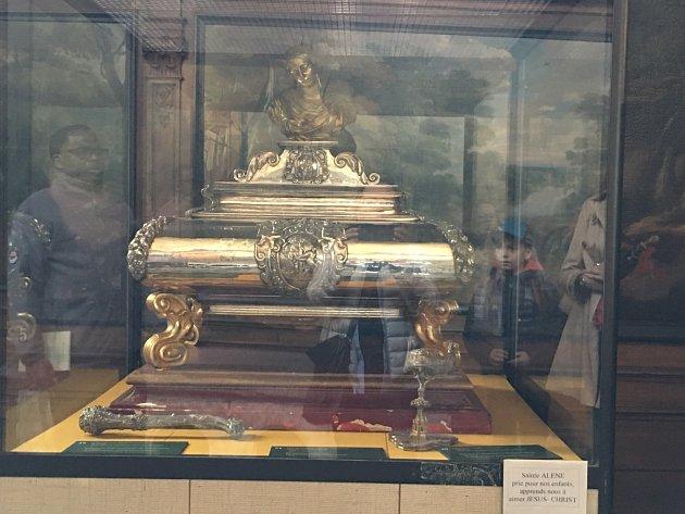Brusel, kostel Saint - Denis. Relikviář sostatky Svaté Aleny.