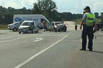 Pátek 2. září: Nehoda na křižovatce U Stopařky.