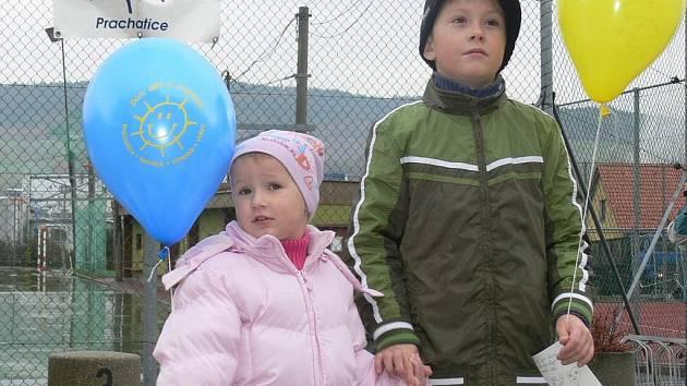 Na každý balónek navíc připojilyEva i jedno ze svých nejtajnějších přání.