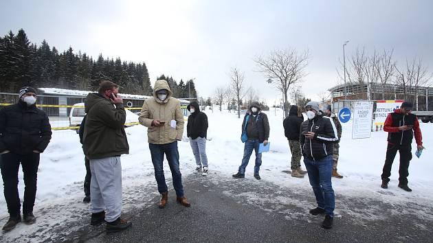 Bildergebnis für Pendleři uvízli v Bavorsku na neurčito. Popisují, jak projeli hranicí Zdroj: <a href=