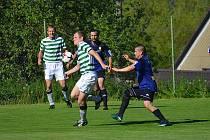 Vacovští fotbalisté hráli hodinu v oslabení a lídrovi tabulky z Dražic podlehli 1:4.