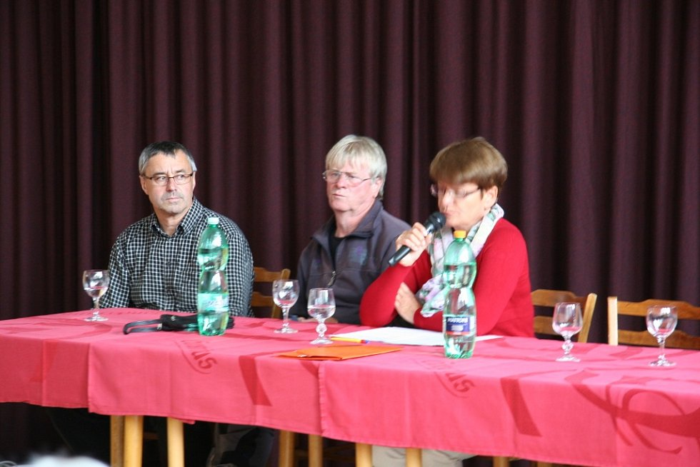 Veřejná schůze v Lenoře.