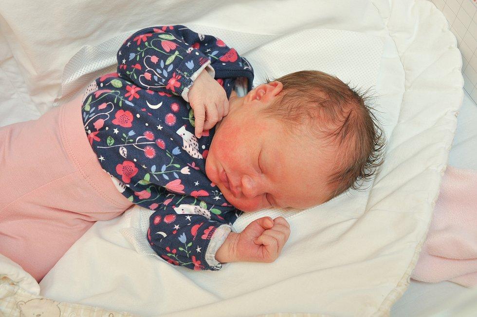 JANA MÁRIA SLANINOVÁ, VACOV. Narodila se v pondělí 23. září v 16 hodin a 46 minut ve strakonické porodnici. Vážila 3050 gramů. Má sourozence Nelli (12 let), Kristiána (6 let) a Sebastiána (3 roky). Rodiče: Markéta a Petr.