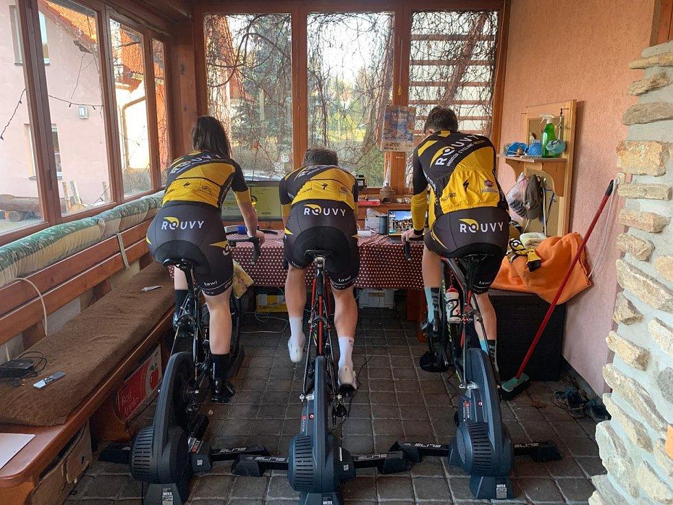 Cyklisty čeká další závod ve virtuálním prostředí. Ilustrační foto.