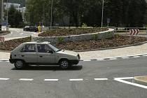 Včera byla slavnostně v Prachaticích otevřena nová kruhová křižovatka.