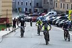 Šumavský MTB maraton projížděl i ulicemi Vimperka.