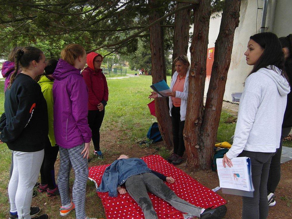 Mladí zdravotníci soutěžili v sobotu v Prachaticích.