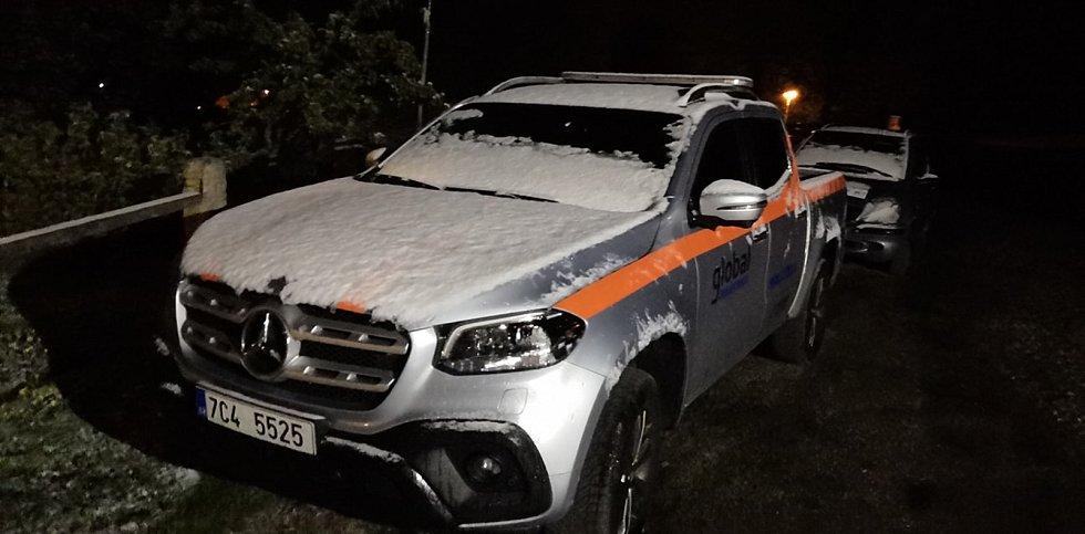 Ve čtvrtek 14. května večer okolí Kubovy Huti zasypal sníh.
