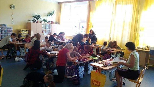 Společná oslava devátých a prvních ročníků na Vodňance.