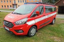 Nový automobil dostali hasiči ze Šumavských Hoštic.