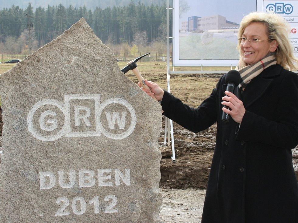 Ve čtvrtek zahájila společnost GRW výstavbu nového výrobního areálu v průmyslové zóně v Prachaticích.