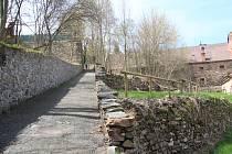 """Pivovarské terasy ve Vimperku """"prokoukly"""" po prořezání. Vedení města si je jisté, že mají potenciál."""