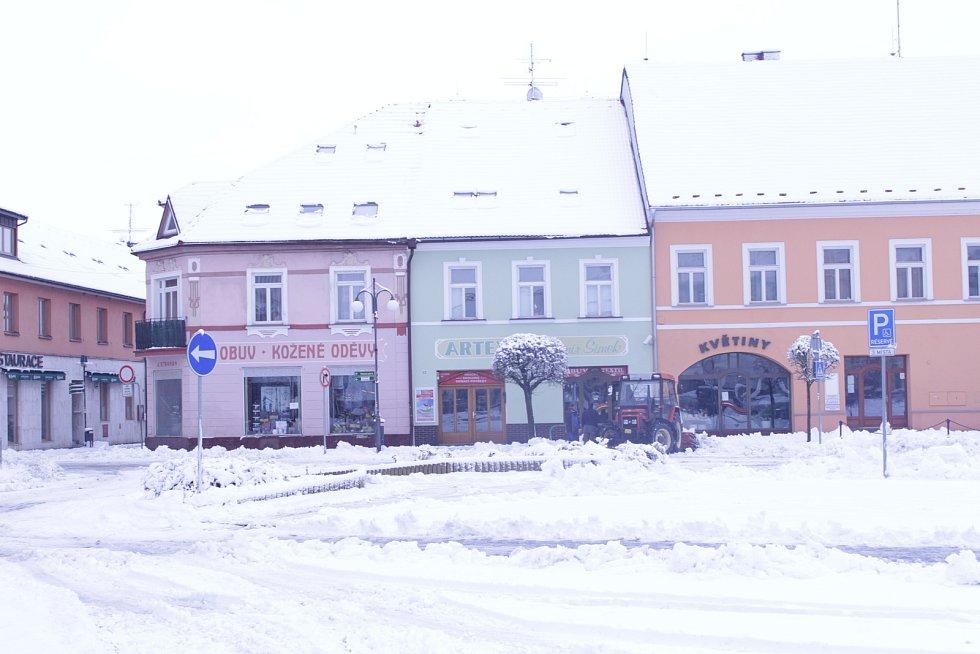 Ve Vodňanech leží 10 cm sněhu.