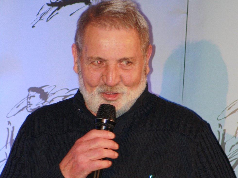 Jan Bauer převzal ceny za druhé stolní tenisty a desátého v jednotlivcích milana zaunmüllera.