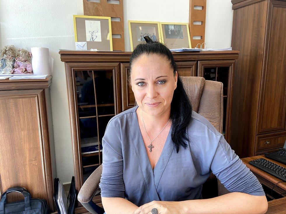 Zuzana Vintrová dlouhá léta sama pracovala v Německu. Po návratu do Česka působila jako poradkyně pro pendlery. V době koronakrize založila Asociaci pendlerů České republiky, které se stala předsedkyní.