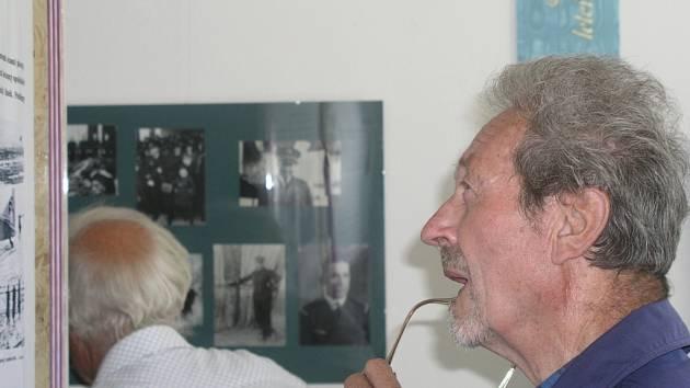 Zdeňku Lehkému bylo v roce 1937 devět let. V sobotu si na Kvildě připomněl tragickou událost, která ho připravila o otce.
