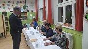 Volby v ZŠ Vodňanská v Prachaticích.