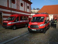 A dorazilo i druhé vozidlo, to budou využívat hasiči z Vlachova Březí.