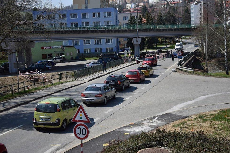Oprava mostu ve Vimperku začala a s ní také dopravní komplikace ve městě.
