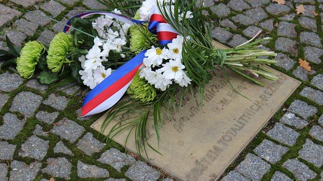 Starosta Prachatic Martin Malý a radní Vladimír Lang si připomněli události 17. listopadu 1989.