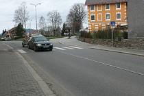 Za větší bezpečnost pro chodce by si Volarští neměli ze svého rozpočtu připlatit ani korunu. Osvětlení dvou přechodů v Budějovické ulici by měla zaplatit nadace ČEZ.