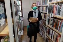 Prachatická knihovna je mezi institucemi, které jsou  nadále otevřené a knihovnu je možné navštívit.