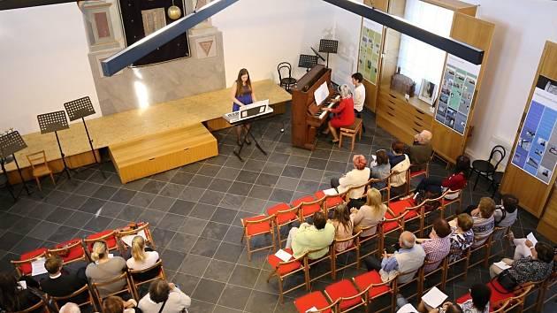 Ve čkyňské synagoze vystoupili žáci ZUŠ ze Čkyně.