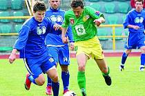 TĚŽKÝ ZÁPAS. Tatran jede do Domažlic a trenér bude spoléhat i na střelce Kováčika (na snímku vlevo).