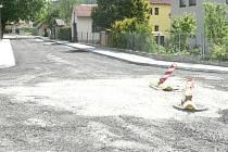 Opravu silnice vedoucí z Podeřišť do Netolic zastupitelé obce nechají raději Správě a údržbě silnic Jihočeského kraje, která ji snadněji opraví. Ilustrační foto.