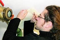 CENA BUDE VYŠŠÍ. Přes padesát korun za kubík vody zaplatí od 1. ledna 2008 Vimperští. Zvýšení schválili zastupitelé. Vodoměry si tak budou obyvatelé hlídat zřejmě ještě více. Ilustrační foto.