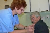 Očkování proti prasečí chřipce v Prachaticích.