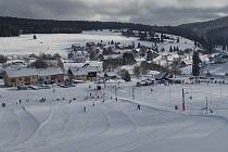 Šumavská střediska nyní nabízejí ideální podmínky pro lyžování.