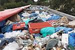 Celníci ve Strážném kontrolovali nákladní vozidlo s polskou registrační značkou, které bylo plně naložené komunálním odpadem. Řidič na náklad neměl potřebná povolení.