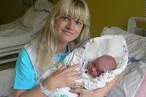 Tomáš Karvan se ve strakonické porodnici narodil 16. července 2011 devatenáct minut po páté hodině odpolední, vážil 4020 gramů. Z chlapečka má velikou radost jeho bratříček Kubík (3,5 roku), který na něj čeká ve Vimperku.
