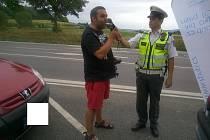Policisté na Prachaticku řidiče pochválili, když řídí, pijí nealko.