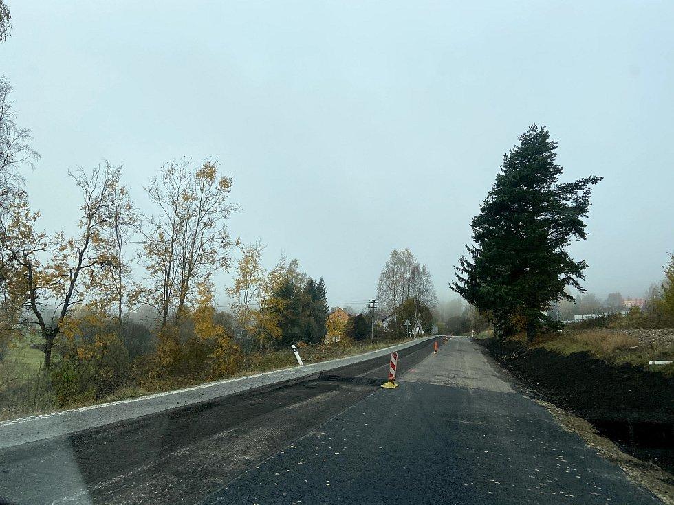 Oprava silnice od Stögrovy Huti do Lenory.