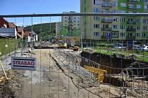 Oprava mění ulici 1. máje ve Vimperku k nepoznání.
