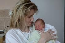 Dominik Vinš  se narodil v prachatické porodnici v pátek 11. ledna v 15.10 hodin rodičům Jitce a Davidovi. Vážil 2690 gramů a měřil 46 centimetrů. Doma ve Vimperku netrpělivě čekal čtyřletý bráška Davídek.